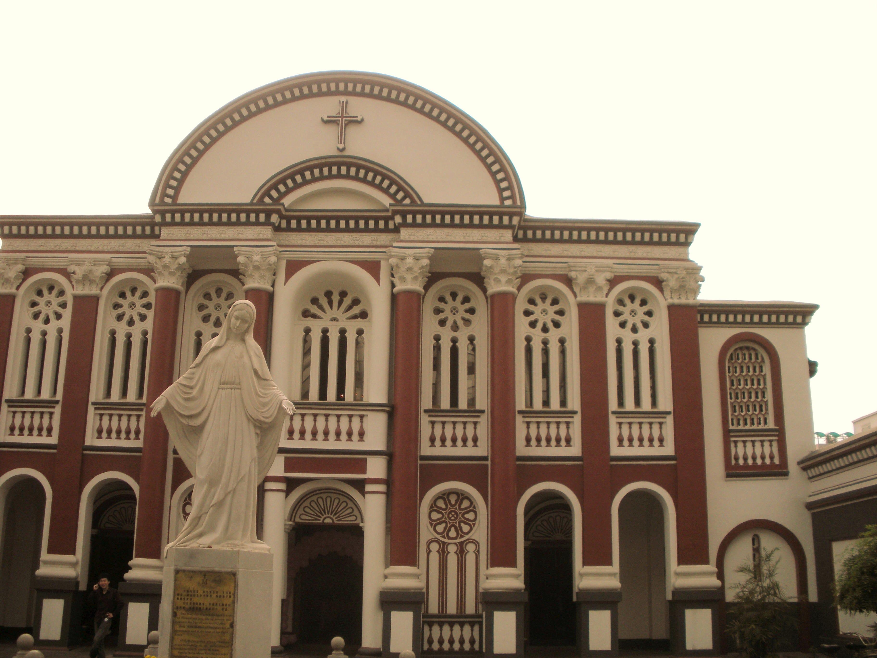 新建的礼拜堂很漂亮